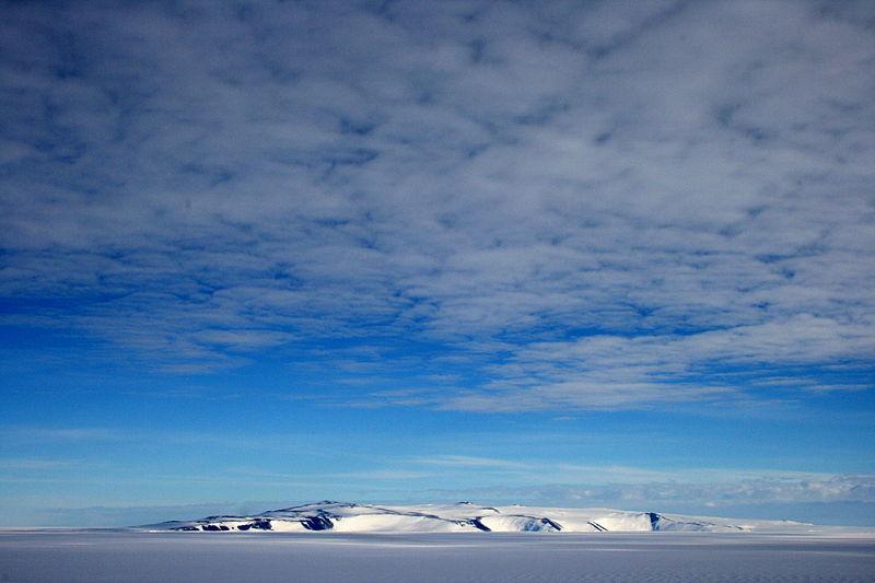 800px-Antarctica,_White_Island