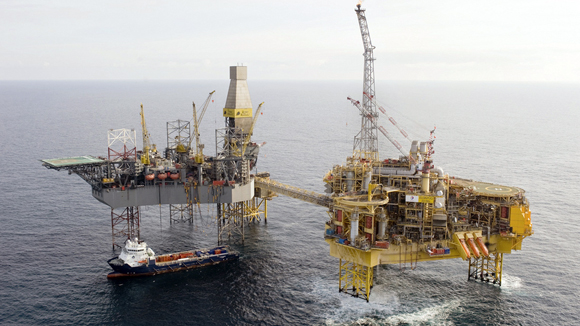 Total's Elgin platform in the North Sea, about 150 miles off the coast of Aberdeen, is seen in this undated photograph received in London on March 28, 2012. Total is still trying to identify the specific cause of a gas leak at its Elgin platform, a spokesman for the company said on Wednesday.     REUTERS/Total/Handout (BRITAIN - Tags: BUSINESS ENERGY SOCIETY) NO SALES. NO ARCHIVES. FOR EDITORIAL USE ONLY. NOT FOR SALE FOR MARKETING OR ADVERTISING CAMPAIGNS. THIS IMAGE HAS BEEN SUPPLIED BY A THIRD PARTY. IT IS DISTRIBUTED, EXACTLY AS RECEIVED BY REUTERS, AS A SERVICE TO CLIENTS