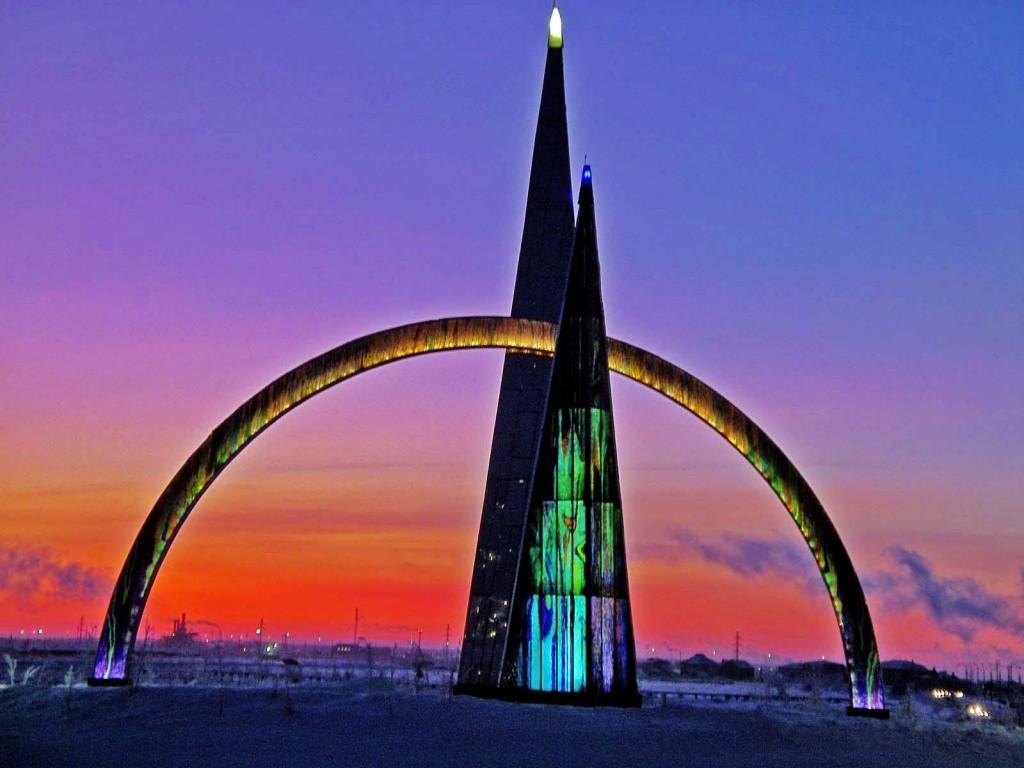 monument-polyarnyy-krug