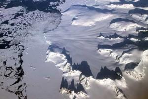 nasa-icebridge-sharp-mountains-peninsula-2012