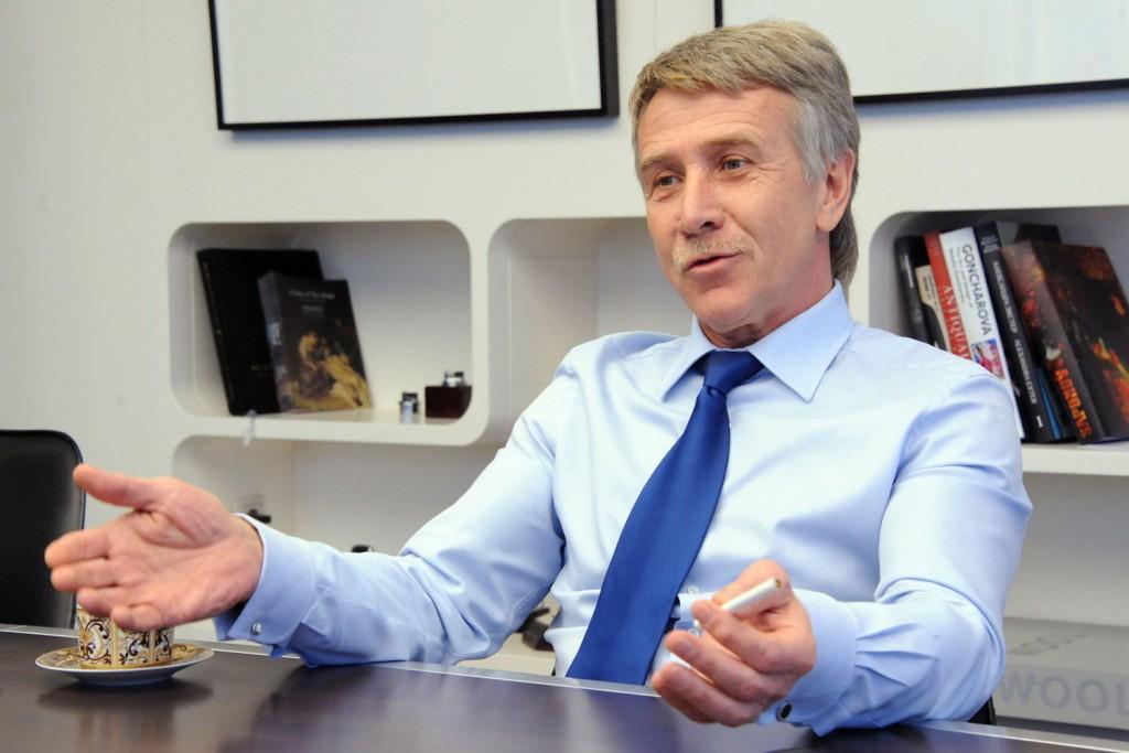 Generalnyj-direktor-predsedatel-pravleniya-OAO-Novatek-Leonid-Mihelson-rad-rostu-dobychi-nefti-i-gazovogo-kondensata