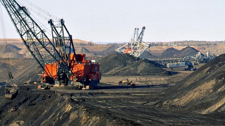 1_6_14_upton_tar_sands_mining_canada_720_405_s_c1_c_c