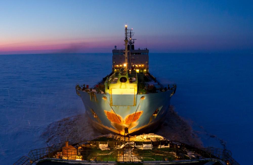 icebreakingobbay5-gazpromneftsmaller