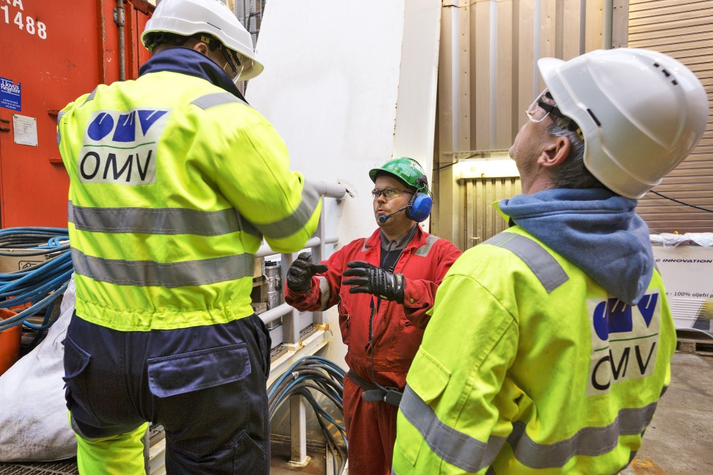 omv-workers_ehanssen_by_omv