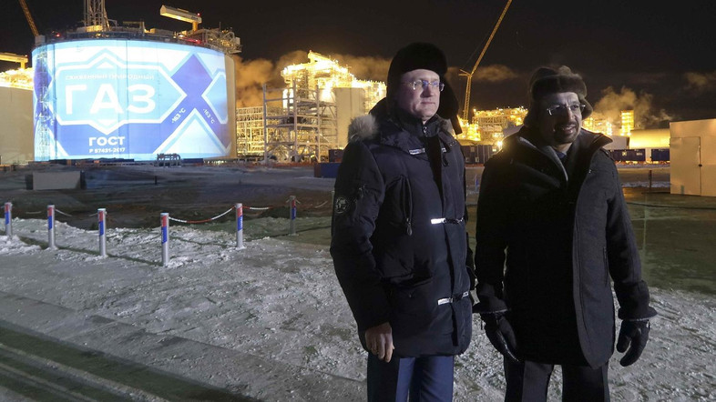 Russian Energy Minister Alexander Novak and his Saudi counterpart Khalid al-Falih oversee Yamal LNG, Russia's second liquefied natural gas plant, which is under construction in the Arctic port of Sabetta, Yamalo-Nenets district, Russia December  8, 2017. REUTERS/Oksana Kobzeva