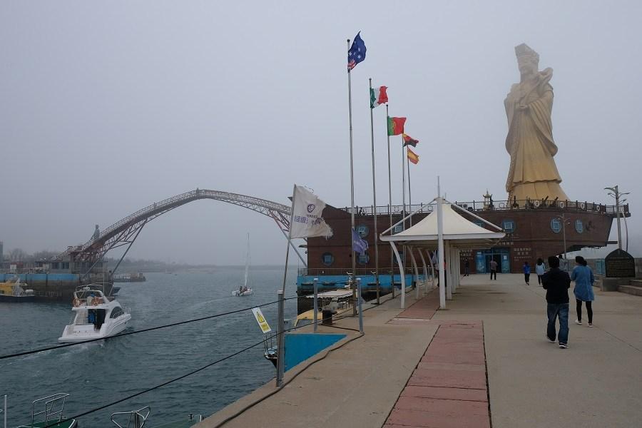 qingdao-olympic-statue