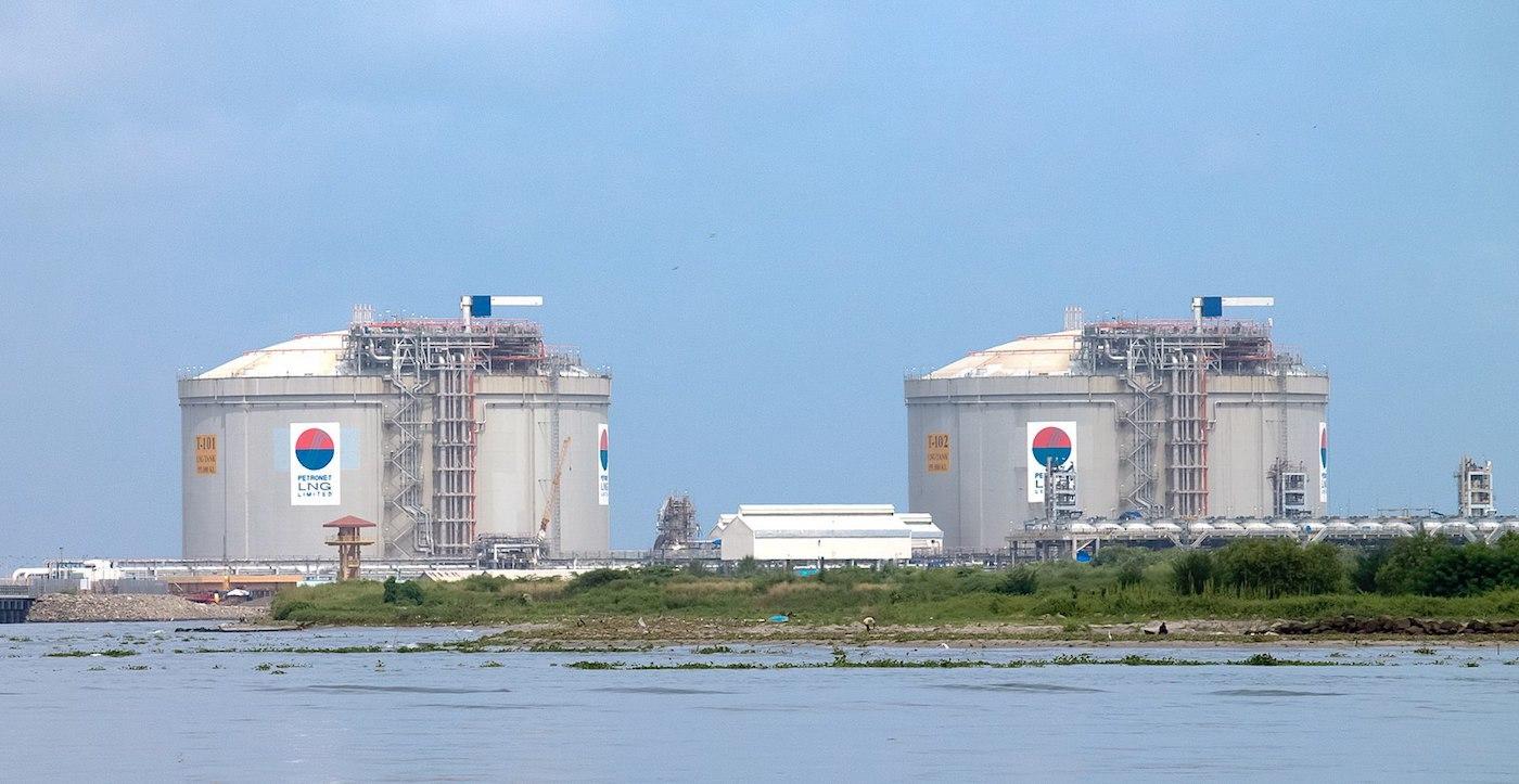 for-saibu-gas-news-LNG-tanks