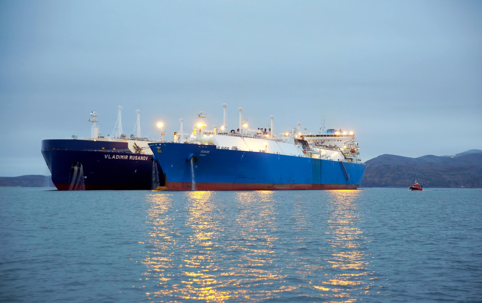 novatek-completes-yamal-lng-cargo-sts-off-norway
