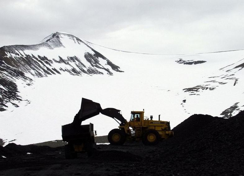 miningcoalsvalbard.barentsphoto