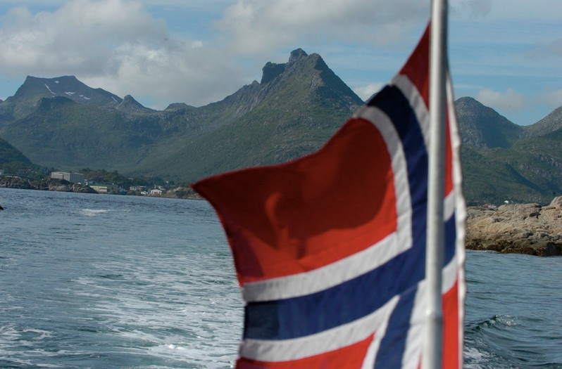 lofoten-flag-thomasn