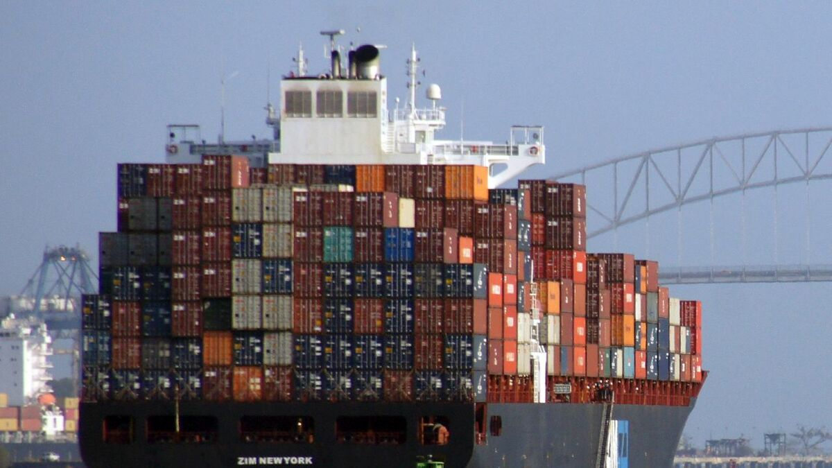 ZIM_New_York_container_ship_Affino