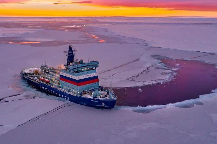 ledokol-arktika-v-more_0