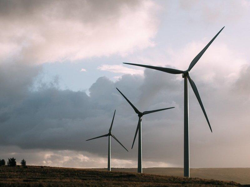windmills-2181904_1920-1-1